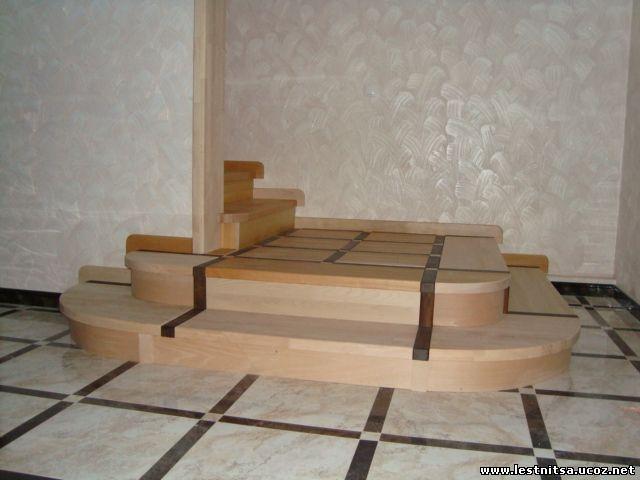 Буковая лестница на метало каркасе
