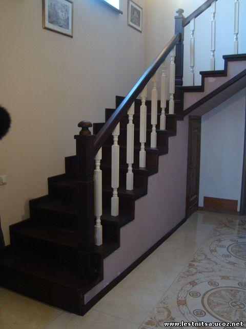 Лестница из ясеня класический стиль
