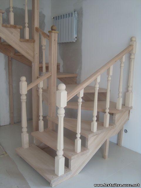 Буковая открытая лестница