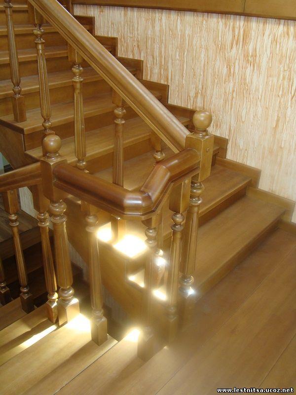 Лестница с гнутым перилом