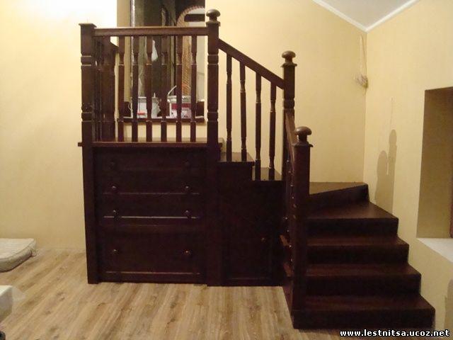 Лестница с встроенным шкафом